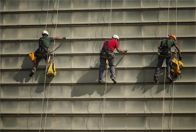 Limpieza de Superficies y Mobiliario de Edificios y Locales.
